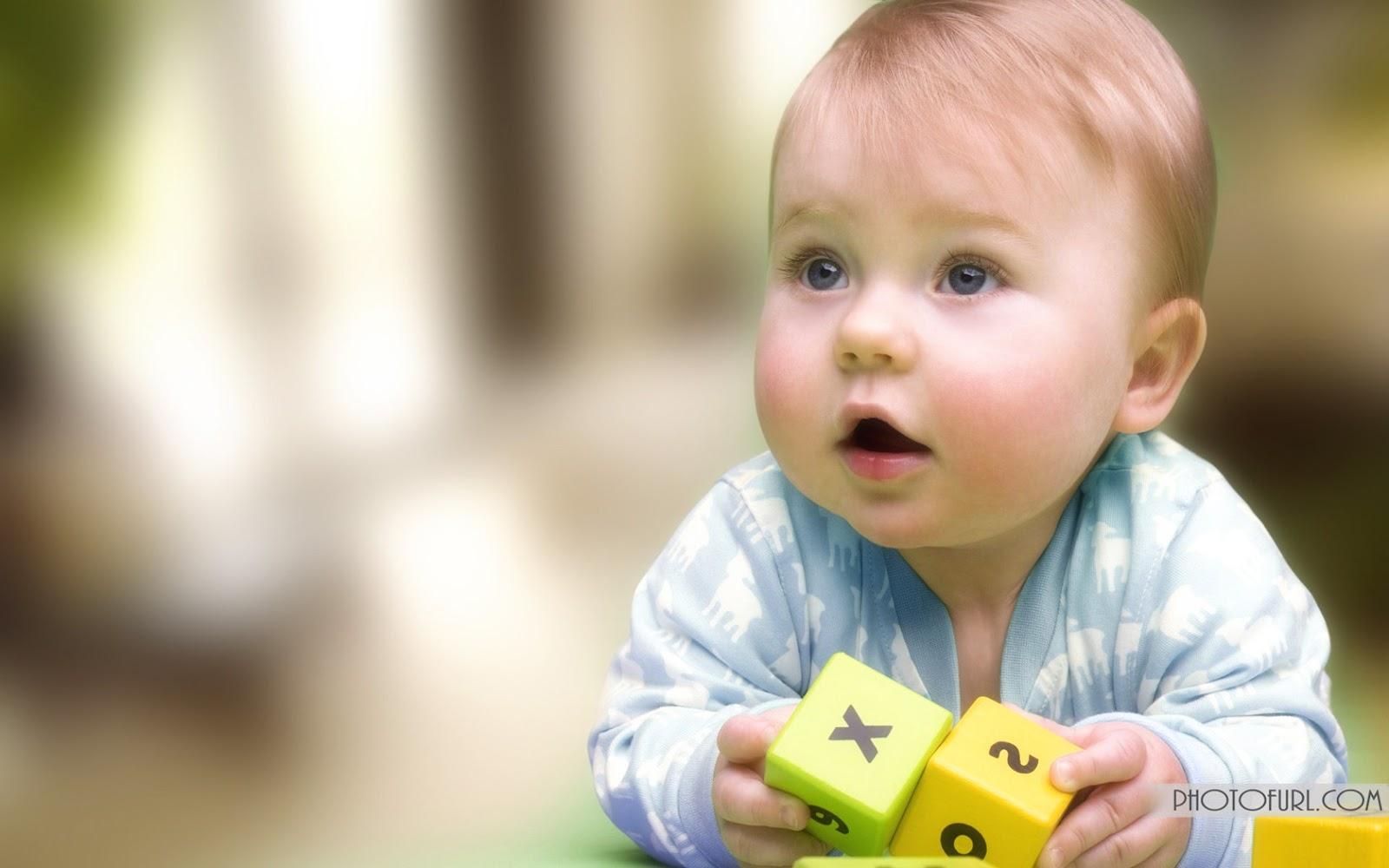 https://4.bp.blogspot.com/-fGSNzfEsiCI/UTBglOL05aI/AAAAAAAAJQU/h2YGYGzpHSQ/s1600/Blue+Eyes+Cute+Baby+Boy+With+His+Toys+HD+Wallpaper-1680x1050-cutelittlebabies.blog .jpg