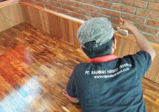 cat lantai kayu