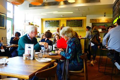 Salle du restaurant Andina Shoreditch UK- Le Chameau Bleu