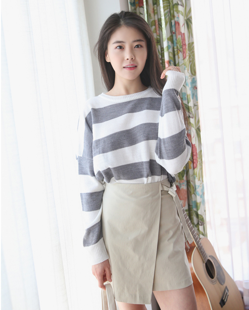 Contrast Stripe Oversized Sweater
