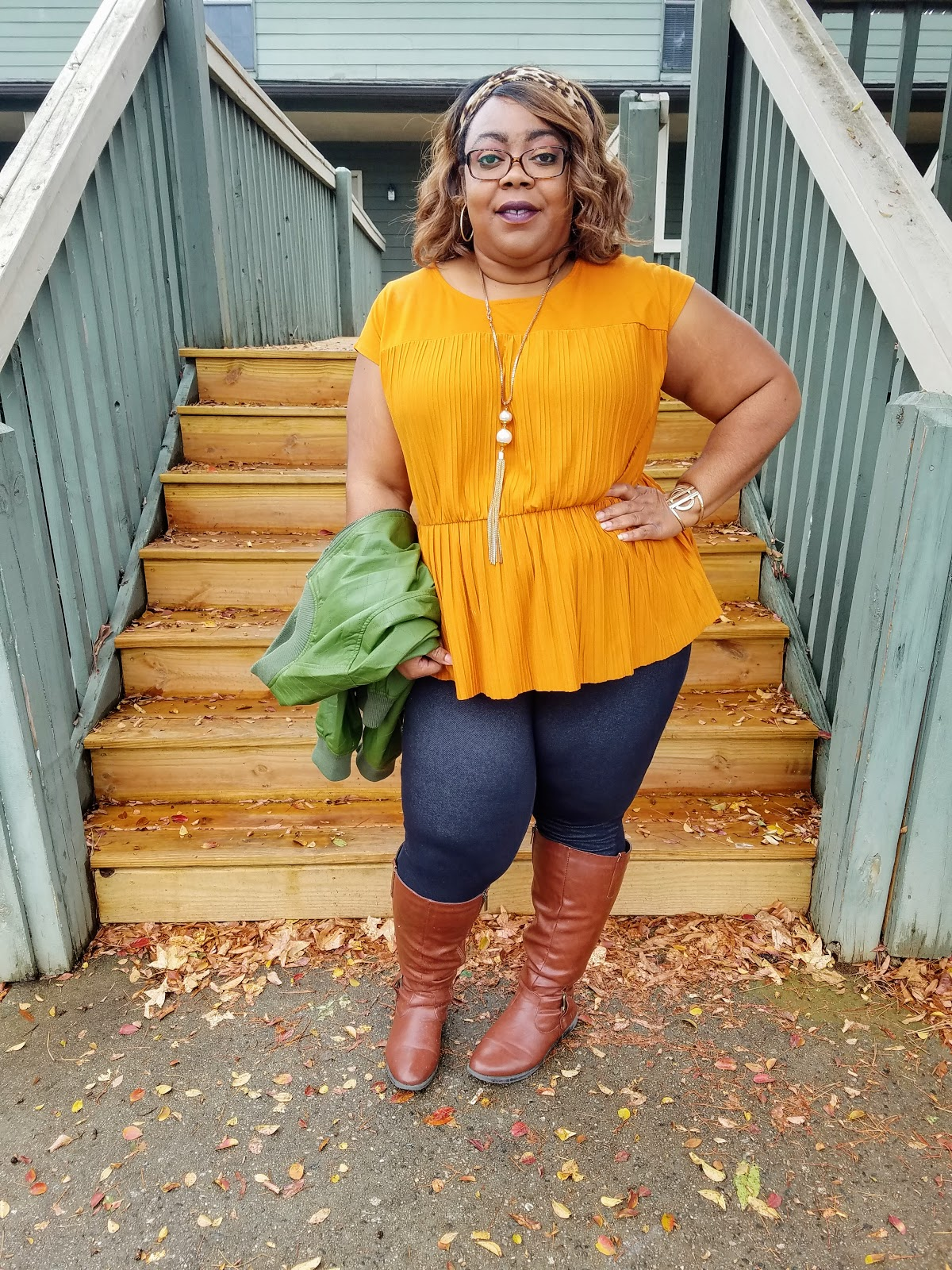 thick thighs, round hips, confidence, fall color palette