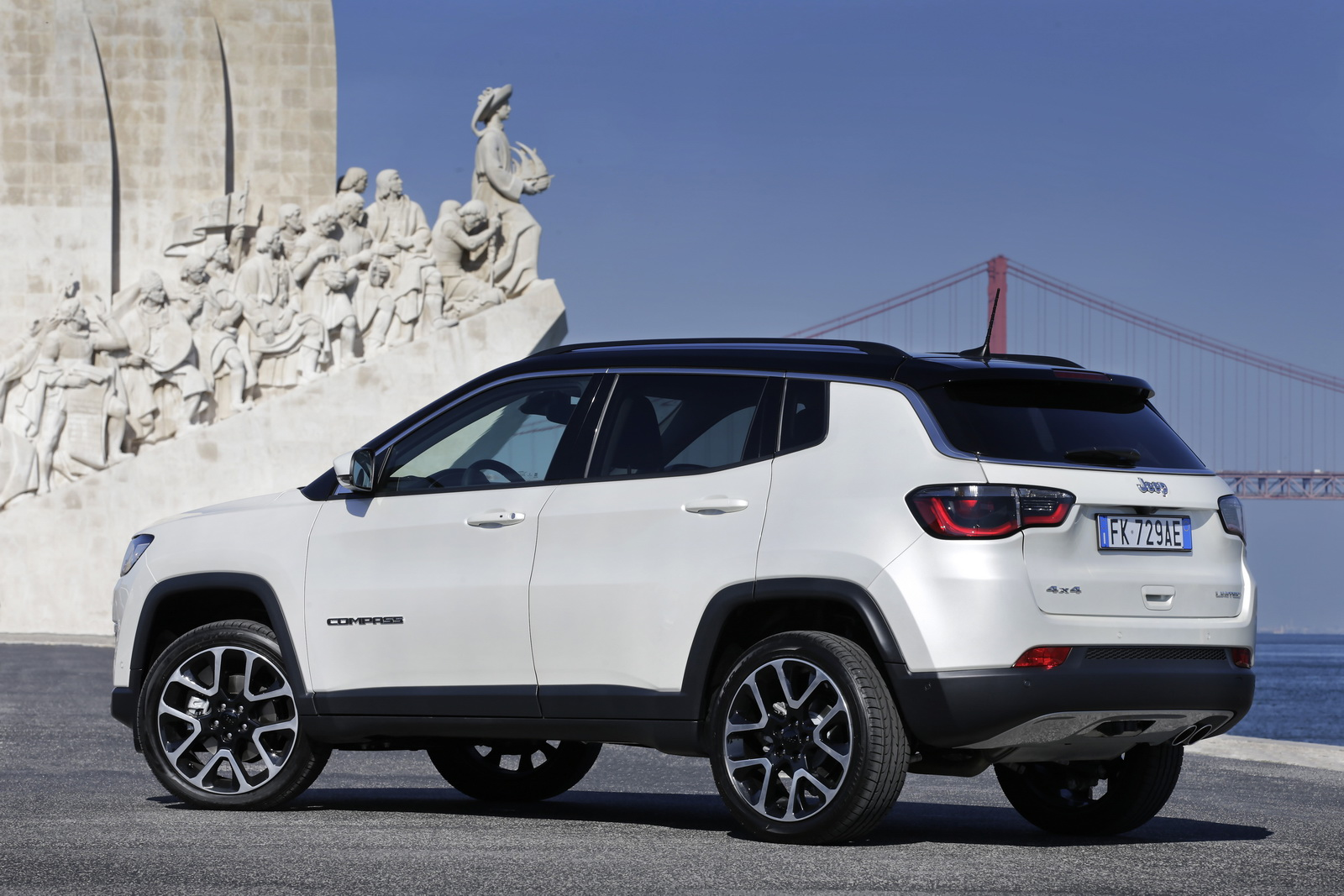 Jeep Cherokee Sport Interior >> New Jeep Compass Officially Launched In Europe [38 Photos] | Carscoops