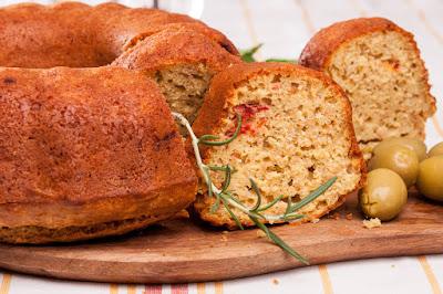 Солен кекс с овесени ядки и маслини