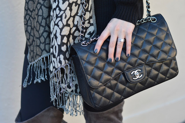 black-chanel-handbag-outfit