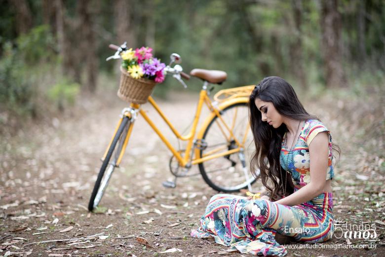 15 anos bh, 15 lindos anos, bicicleta, book 15 anos bh, cachorro, delicadas, estúdio fotografico bh, fazer book 15 anos, festa 15 anos bh, flores, fotos 15 anos, grafite, melhores, studio, urbana,