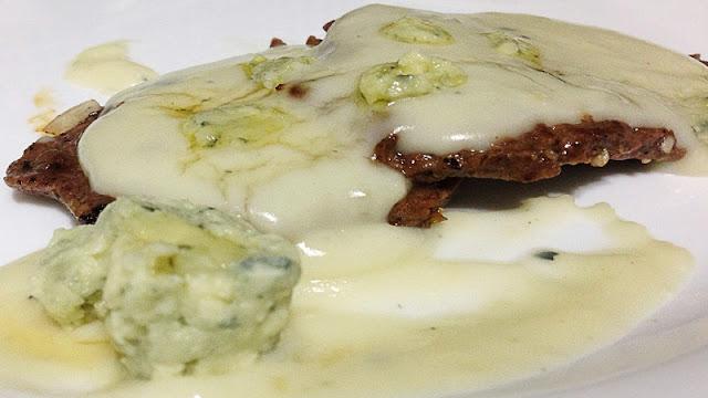 Receita de filé ao molho de gorgonzola (Imagem: Reprodução/Lazz Gourmet)