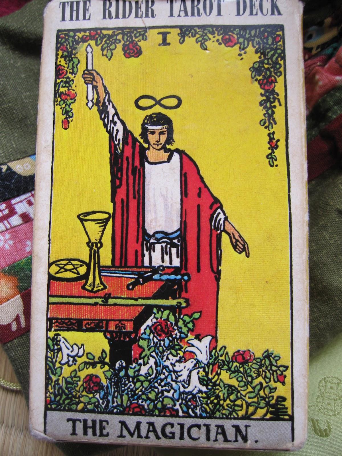 Sonny Sensei's Eikaiwa: My Favorite Obsession: Tarot Cards
