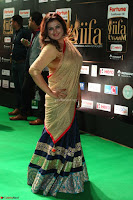 Sona in Saree at IIFA Utsavam Awards 006.JPG