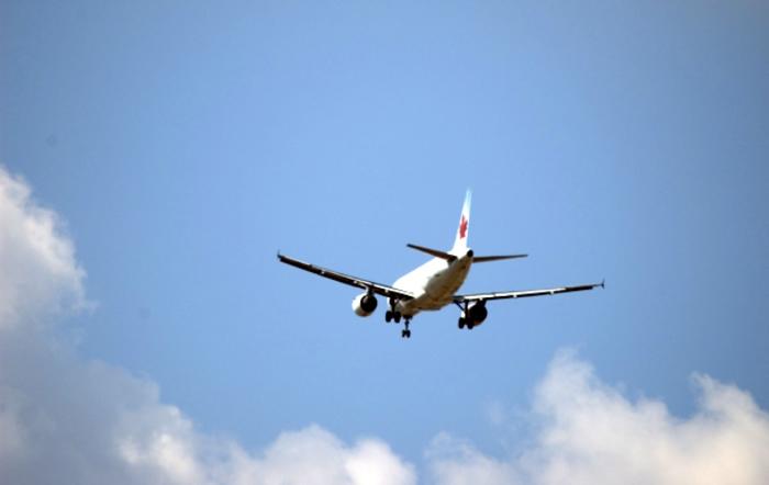 Viagem de avião no namoro à distância