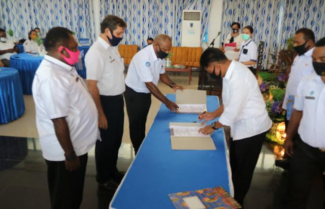 Christian Sohilait Ancam Mutasi Pejabat Eselon III dan IV Jika Tak Capai Target Dinas PPAD Papua