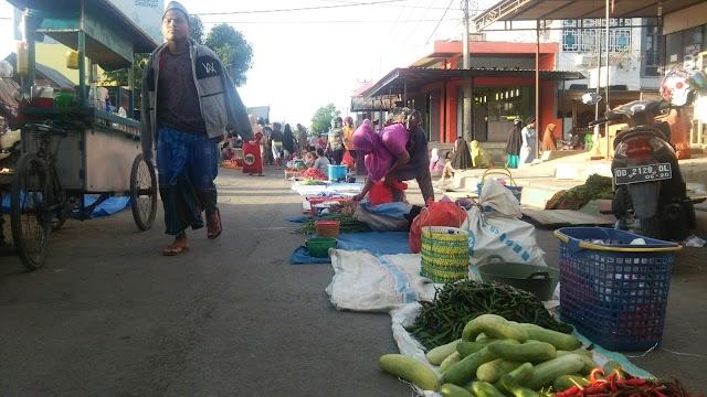 Paska Kebakaran Pasar Mini II Tadi Malam, Tiga Jalan Menjadi Pasar Sementara