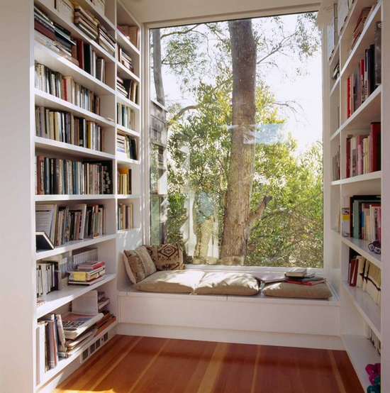 Cozy window seat ©Safdie Rabines