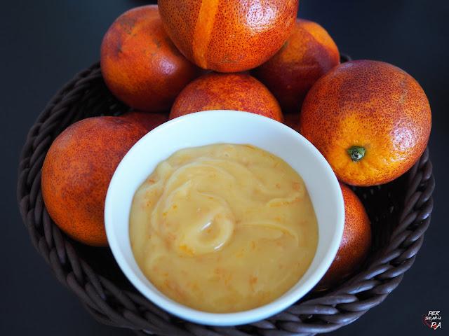 Orange curd de naranjas sanguinas, una crema cuajada básica en pastelería.