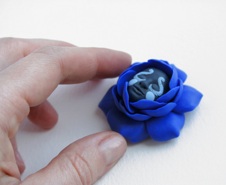 magic flower brooch