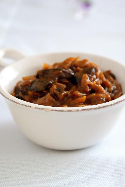 bigos,wegetariański bigos,bigos z grzybami,jak zrobić bigos,katarzyna franiszyn luciano,z kuchni do kuchni,najlepszy blog o gotowaniu