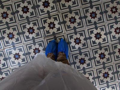 roupa e sapatos de proteção para visita em fábrica alimentar