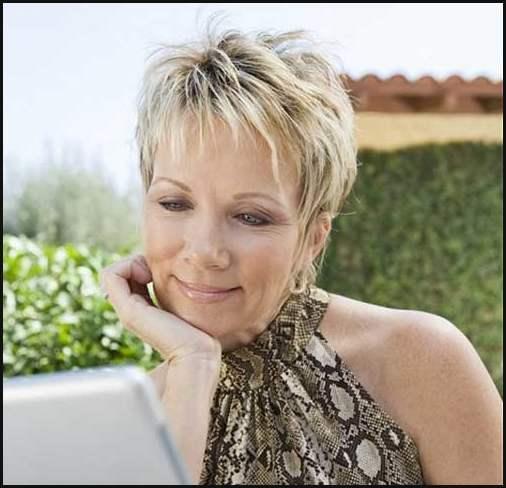 Kurze Frisuren Fur Altere Frauen Frisuren Trend 123