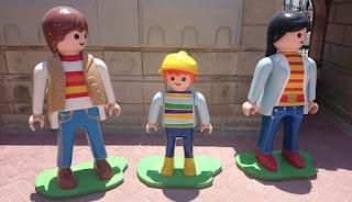 Entrada a la Fábrica de Playmobil.