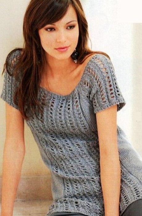 cfae9079ffd Мир хобби  Длинный пуловер с ажурными полосками (вязание спицами)