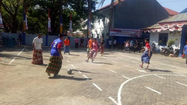 Futsal Pakai Sarung/ Dress Wanita