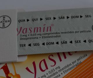 Há riscos de emendar uma cartela de anticoncepcional na outra?