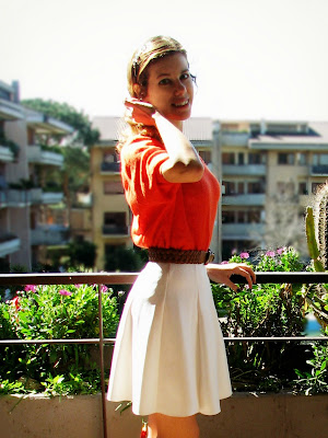 http://s-fashion-avenue.blogspot.it/2016/03/ootd-easter-in-orange-white.html