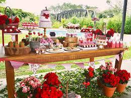 como fazer uma festa de noivado ao ar livre
