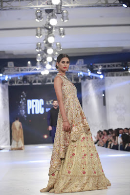 sania-maskatiya-bridal-dresses-collection-at-pfdc-l'oréal-paris-bridal-week-2016-19