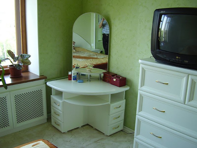 white corner dressing table ideas