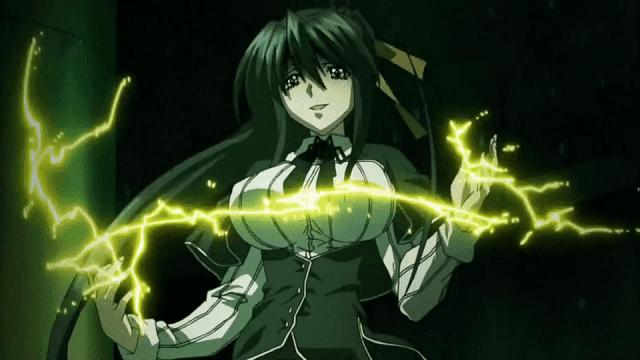 Tak hanya memiliki oppai besar, Akeno juga memiliki kekuatan petir yang luar biasa
