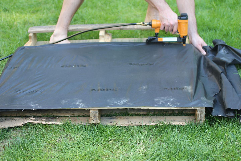 Wooden Pallet Herb Garden - Repeat Crafter Me