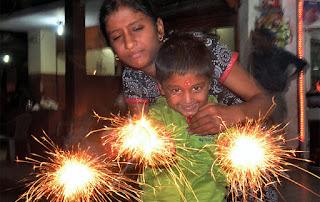 Happy Diwali 2016 images child face 7