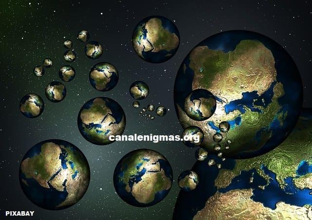 mundos con entidades invisibles dimensionales
