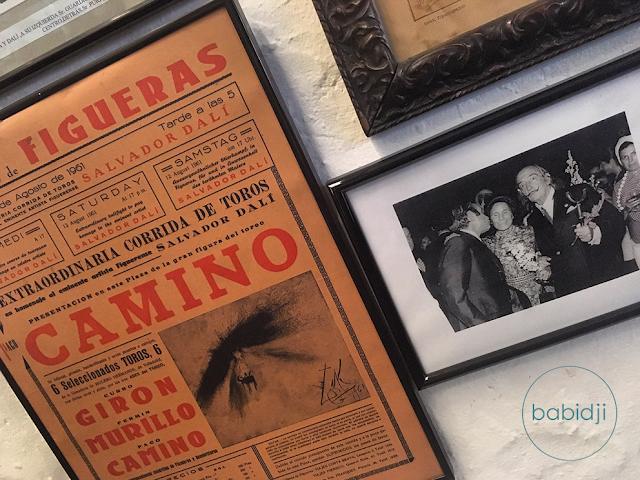 Photos de Salvador Dali et affiche dans son restaurant préféré à Figueres le Duran