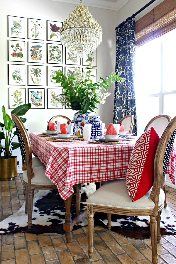 red white and blue tablescape, fourth of july decorations, patriotic table setting