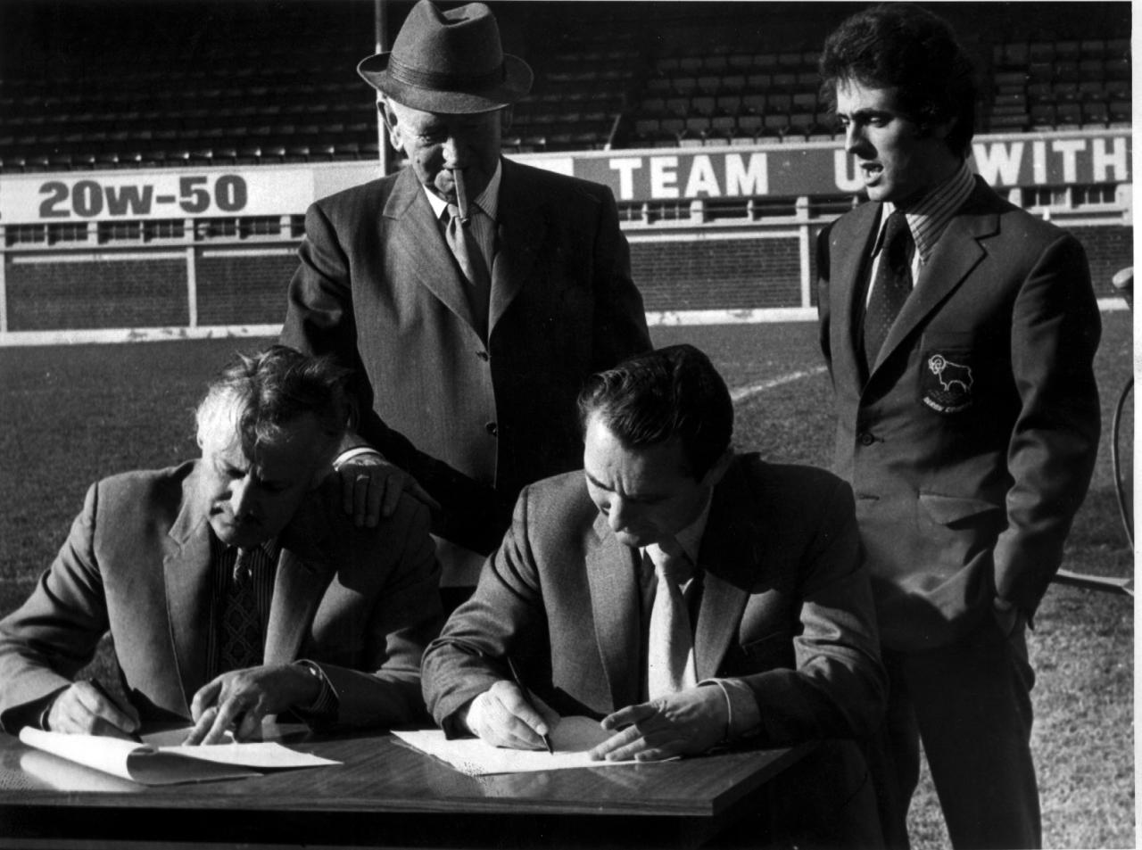Peter Taylor y Brian Clough abandonaron la disciplina del Hartlepools United para colocarse al frente de Derby County