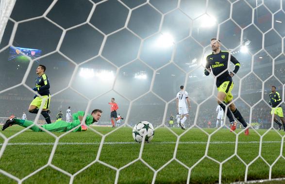Basel 1-4 Arsenal Liga Champions