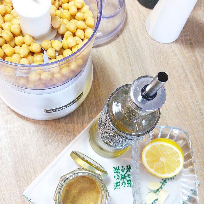 recette de hoummous, hommos, purée de pois-chiches, tahin, sésame, huile d'olive, paprika, citron, recette facile, cuisine, food, oriental, libanais, végétarien, végétalien, vegan