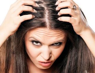 cara mengatasi menghilangkan kulit kepala dan rambut gatal