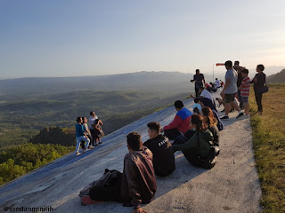 lokasi-puncak-joglo-ramai-pengunjung
