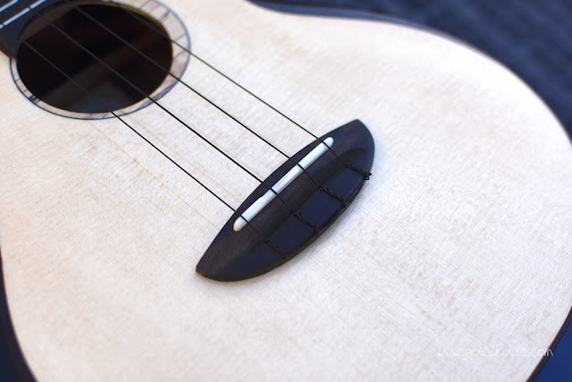 aNueNue UT200 Moon Bird Ukulele bridge