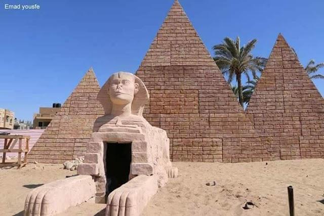 بناء الاهرامات المصرية في رفح الفلسطينية بالصور