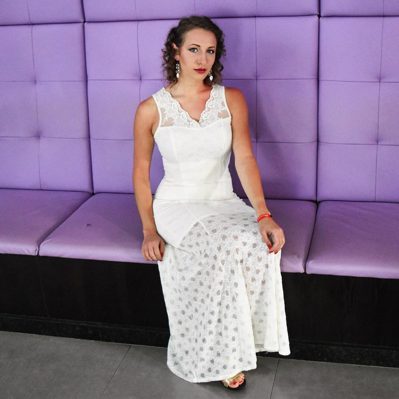 Notorious Nicolette: White Lace