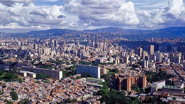Militar español  herido de bala en Venezuela, estable