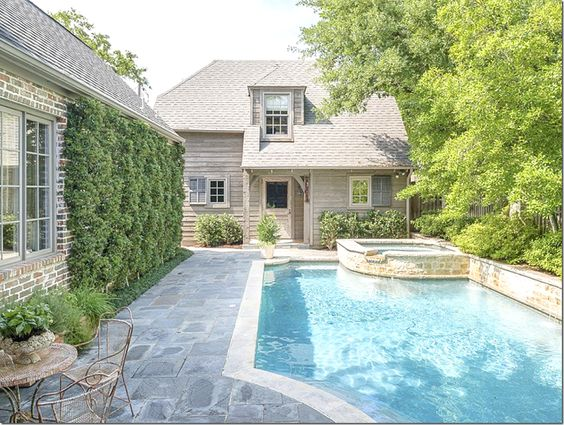 outdoor-living-pretty-pool