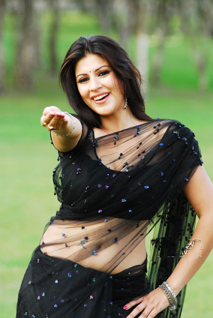 Most-popular-bhabi-in-black-saree