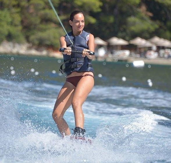Su Sporları Dendiği Zaman Akla İlk Gelen Spor Dalları - Su Kayağı - Kurgu Gücü
