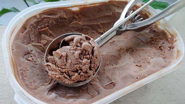 Glace au chocolat sans sorbetière