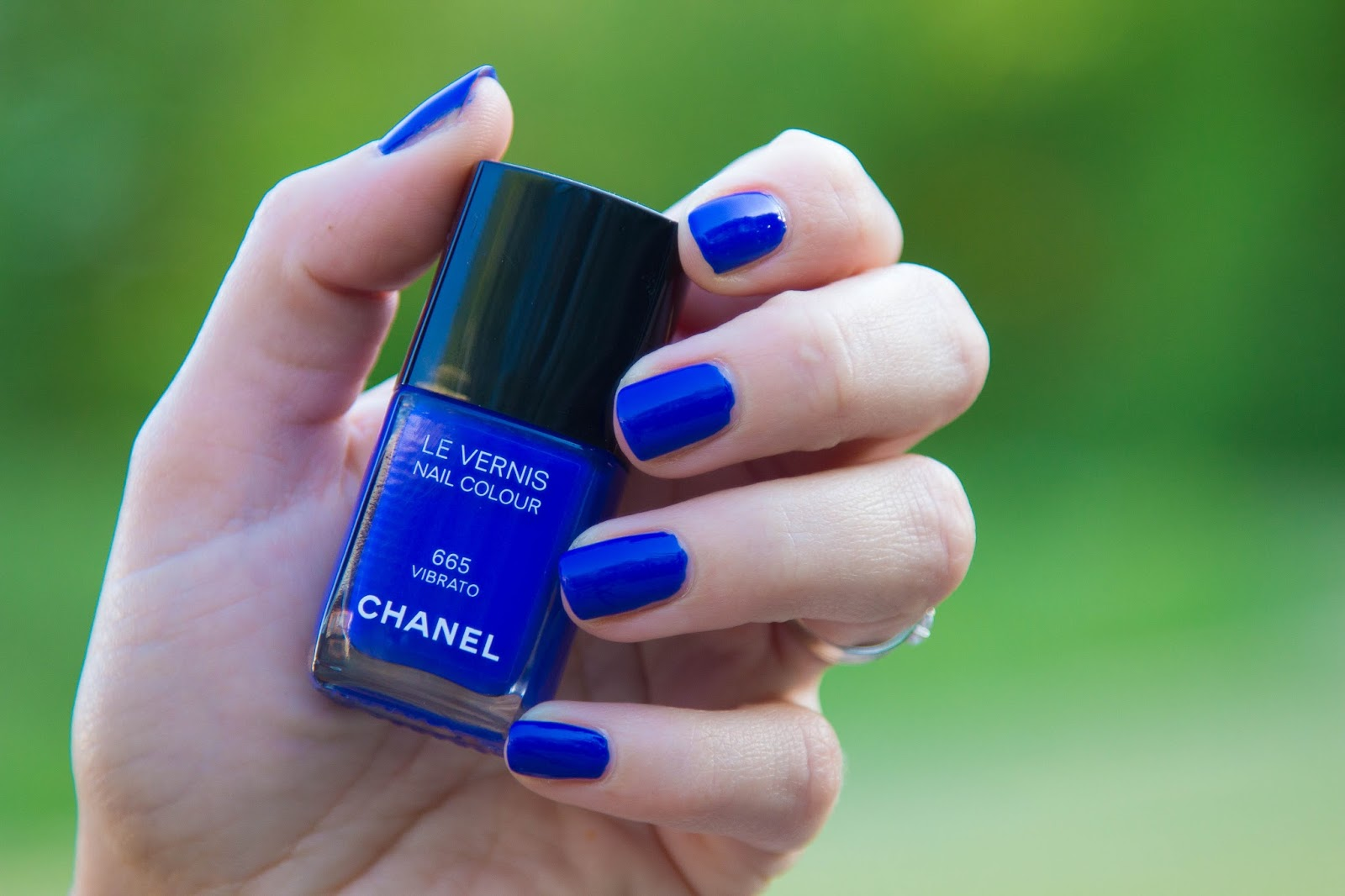 vernis - vibrato - chanel - bleu