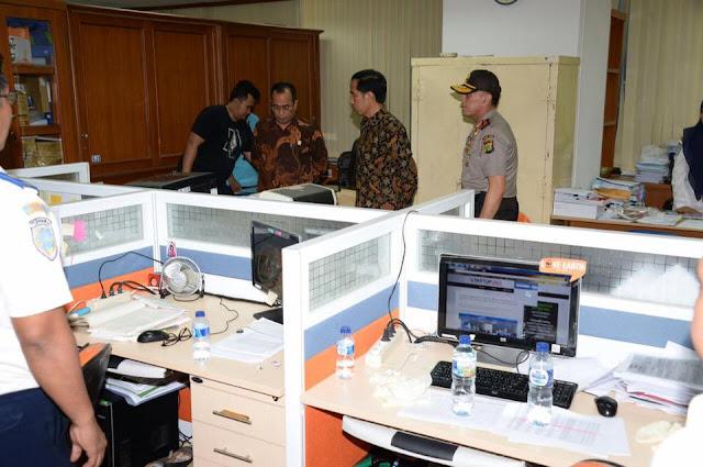 Presiden Joko Widodo menyatakan perang atas pungutan liar